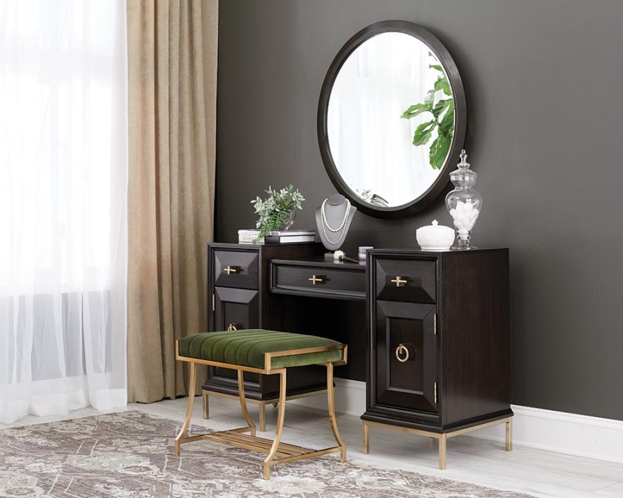 Vanity Desk Roomview