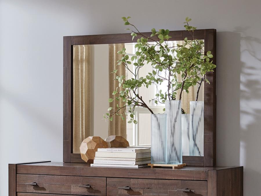 Mirror Roomview