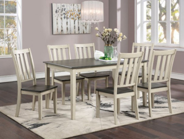 Table W/Chairs