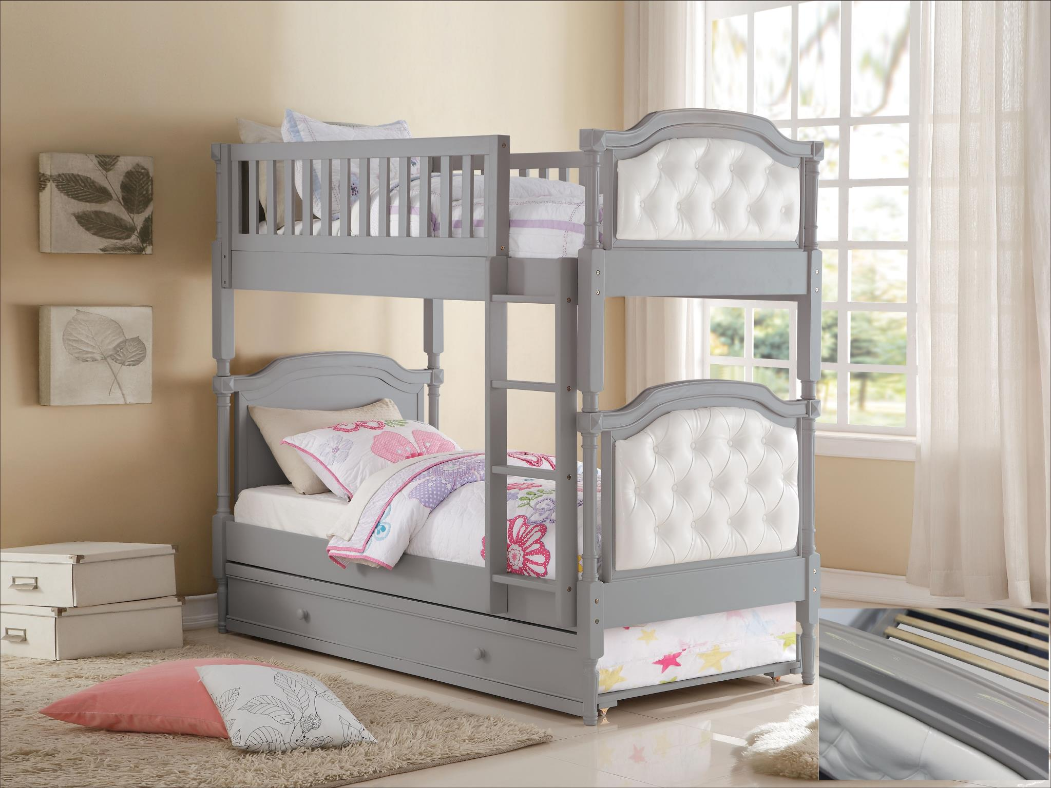 Twin/Twin Bunk Bed w/ Trundle