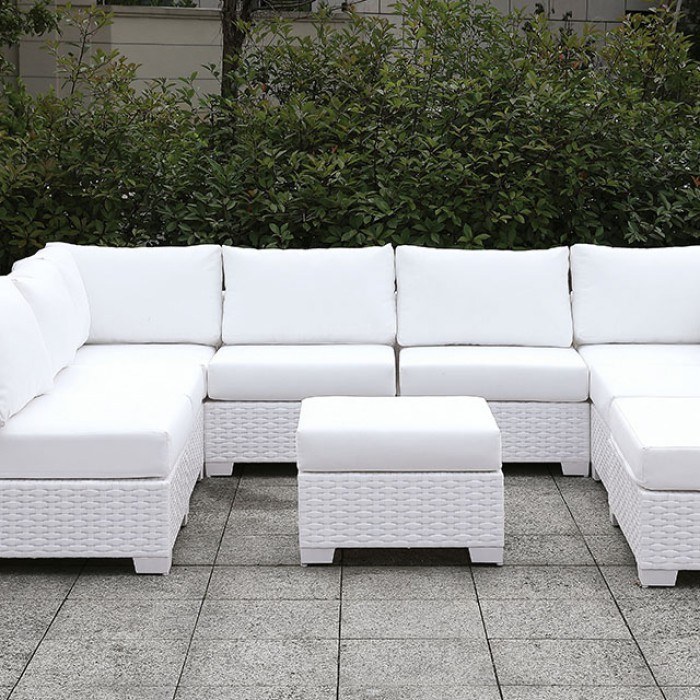 U-Sectional Sofa w/ Ottoman Close Up